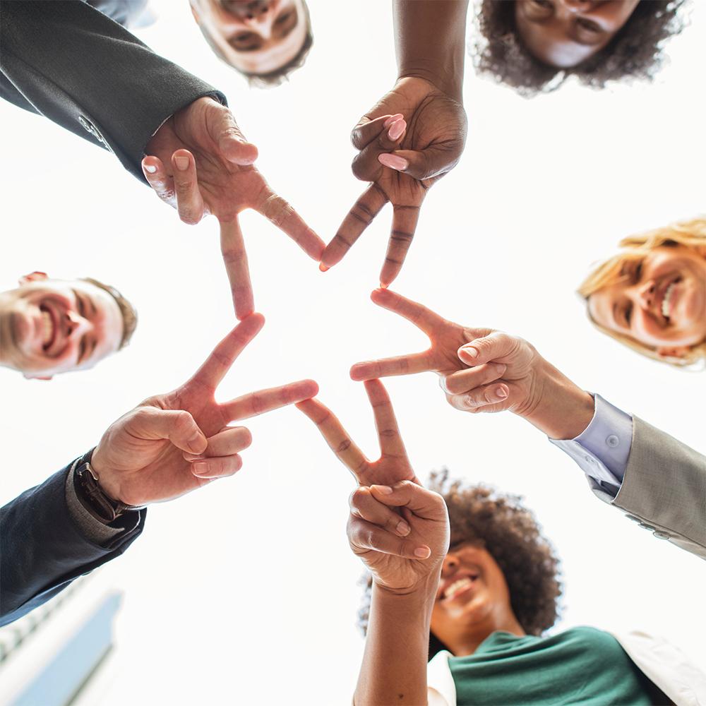se regrouper ensemble - travailler ensemble - changer en entreprise